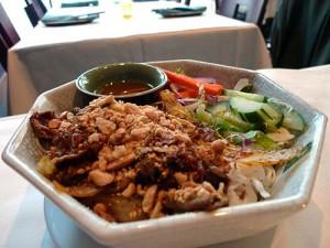 Long chili lemongrass beef noodles