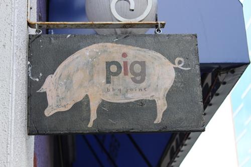 pig_sign_500