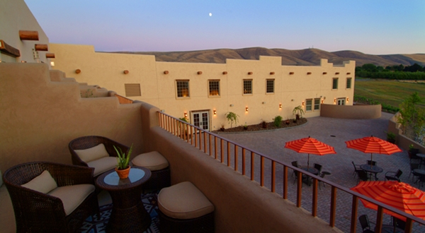 desert_wind_balcony_600