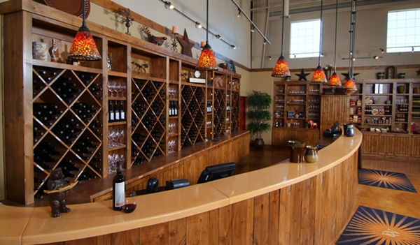 desert_wind_tasting_room_600