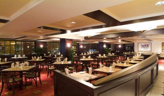 hilton bistro 912 dining room_575