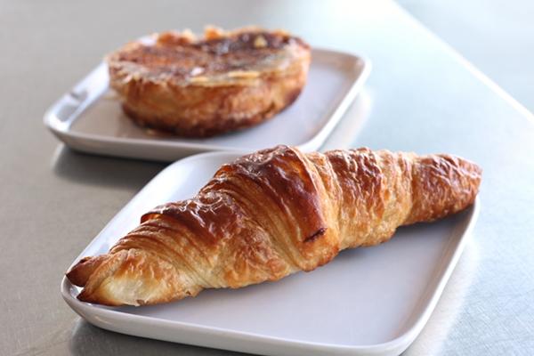 little_t_croissant_600_4681