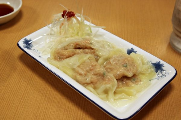 At Hirugao, you can go dumpling-crazy by also ordering a dish of wontons. Eat with a mixture of soy sauce and vinegar (mix in the accompanying negi and hot sauce), or, if you like, you can add the wontons to the ramen.