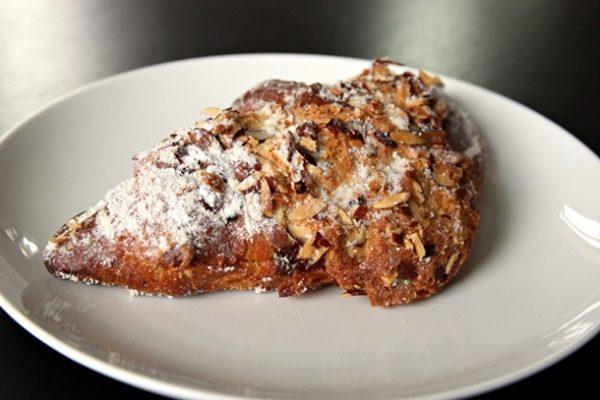 20120929-224446-bakerynouveau-almondcroissant