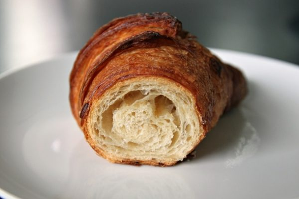 20120929-224446-bakerynouveau-croissantcut
