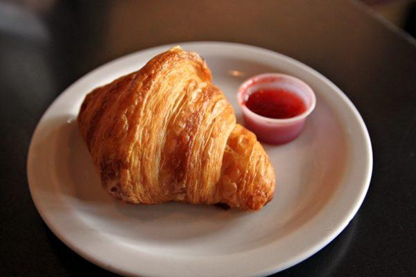20121028-227859-besalu-croissant