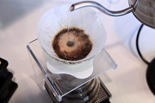More precise pouring from the Hario V60 Buono Power Kettle.