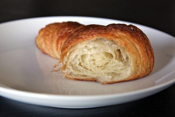 20121229-235291-honore-croissantcut