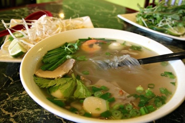 20121230-235350-vietsoups-rainierbbq