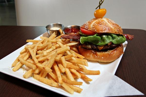 pop-burger-600-9506
