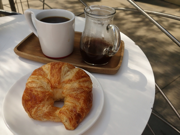 croissantcoffee-600-7885