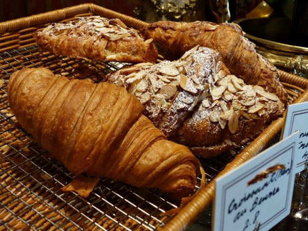 lopera-croissant-640-9152
