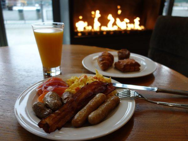Cypress Lounge breakfast 8426