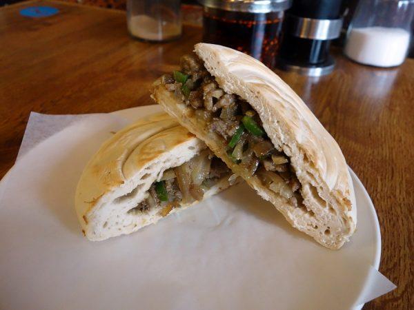 Minced stewed pork sandwich