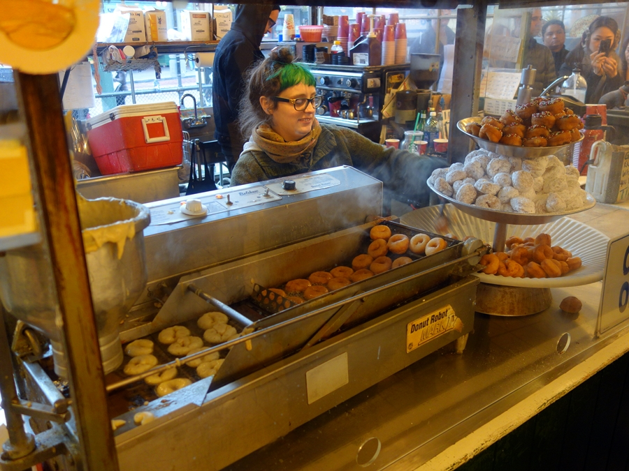 Near Pike Place Market Daily Donut 0770