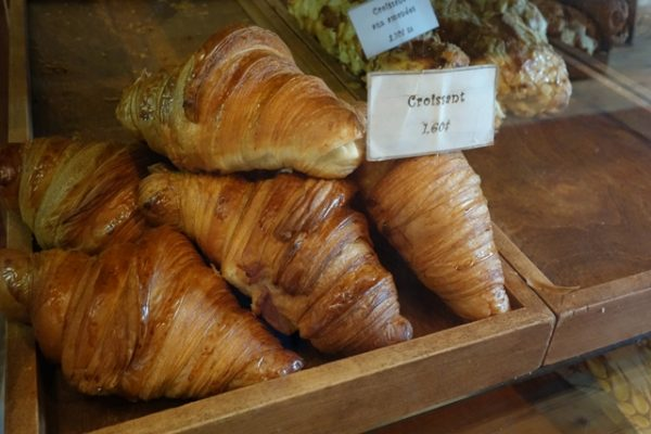 Fous Desserts' croissants on display