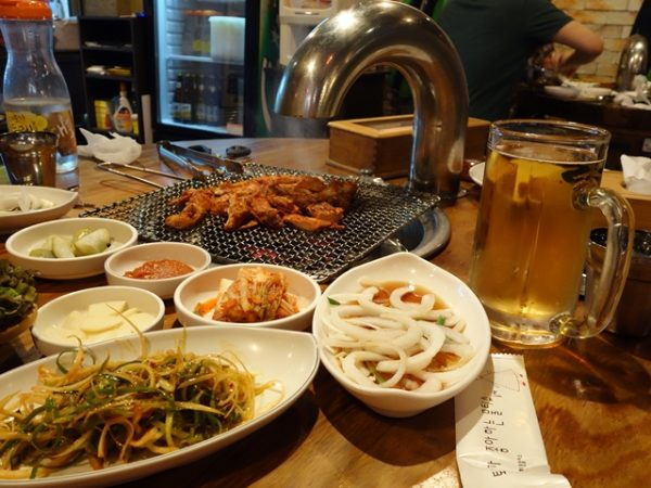 Dakgalbi table