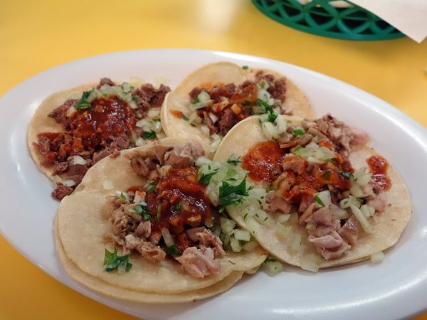 Tongue and tripe tacos at El Taco de Mexico
