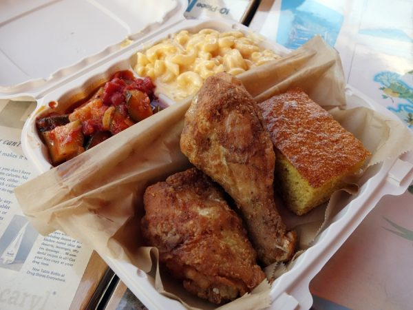 Fried chicken, mac & cheese, and zucchini & tomatoes at Tom's Home Cookin'