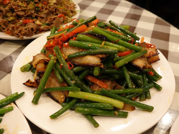 Stir-fried garlic bolt with Hunan smoked pork