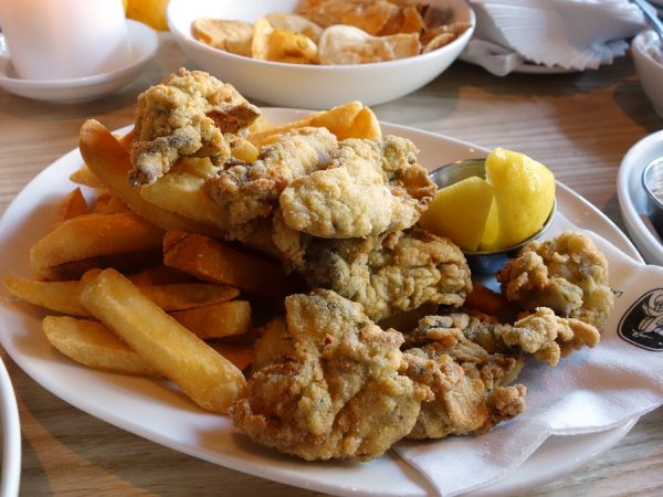 Fried oysters (delicious!) with fries