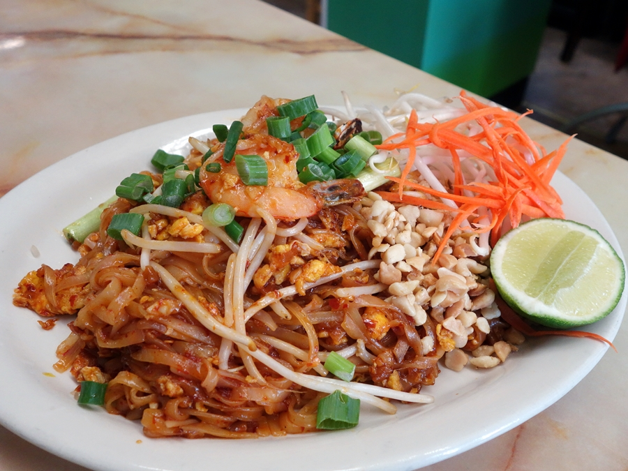 The Mein Man: Pad Thai (and Pleasant Peculiarities) at ...