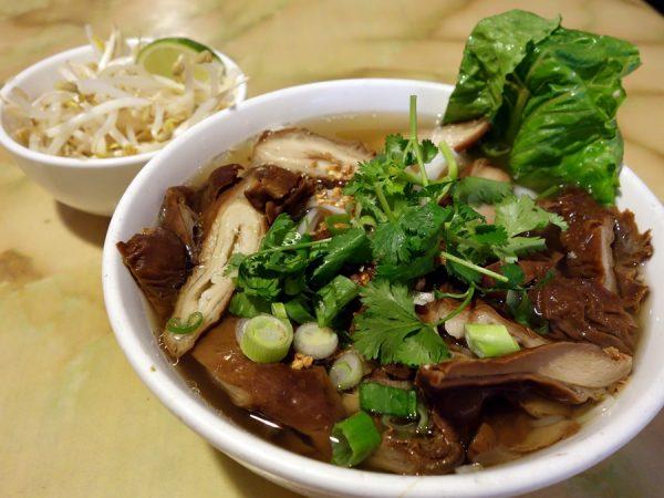 Phnom Penh's goy chup noodle