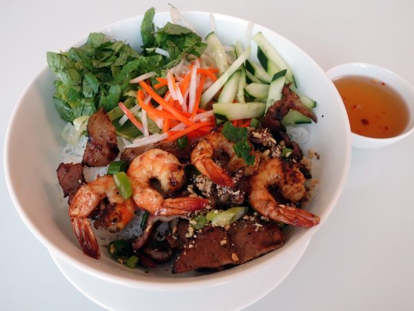 Rice vermicelli with grilled pork and shrimp