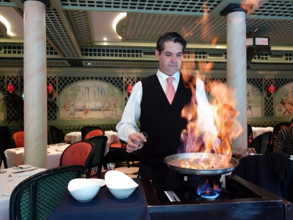 Bananas Foster comes, of course, with a show.