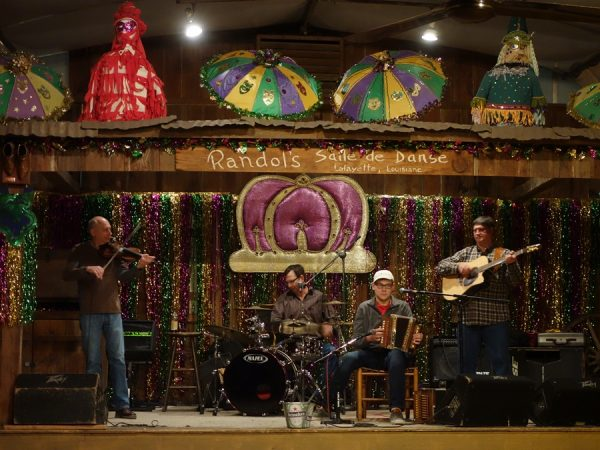 Music (and dancing) at Randol's Seafood Restaurant