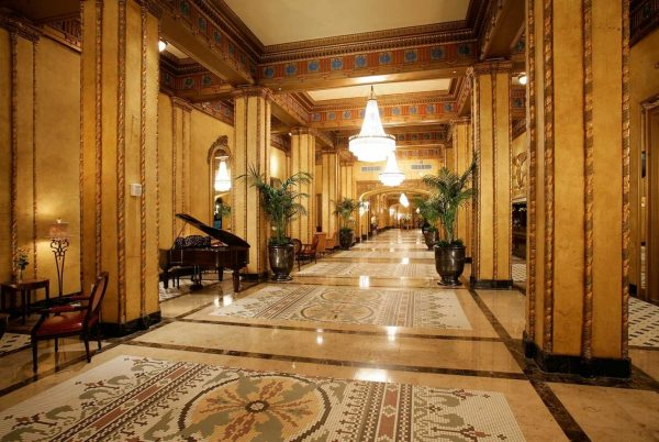 Upon entering The Roosevelt. (Photo courtesy of The Roosevelt New Orleans, A Waldorf Astoria Hotel.)