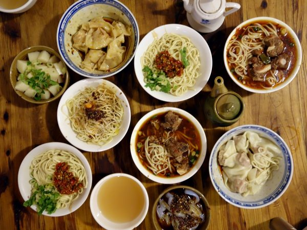Lunch at Chunyangguan (the dumplings were as fantastic as the noodles)