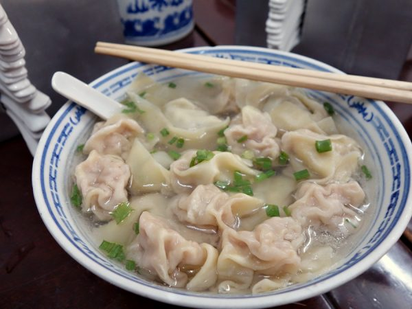 Shuangdan wontons at Shengxing Snack Shop. 5 large pork-and-chive wontons, and 12 small pork ones. Fantastic. And under $2.