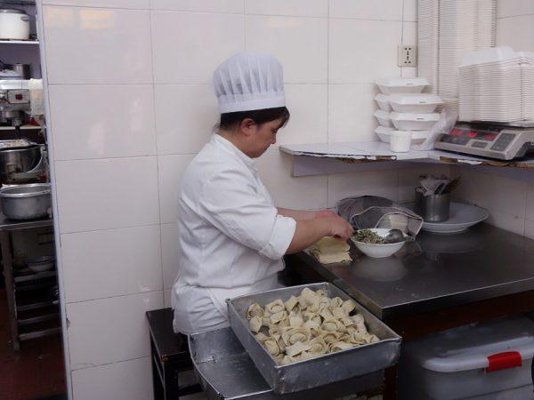 Making wontons at Shengxing Snack Shop.