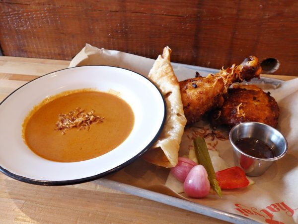 Fried chicken set at Hat Yai